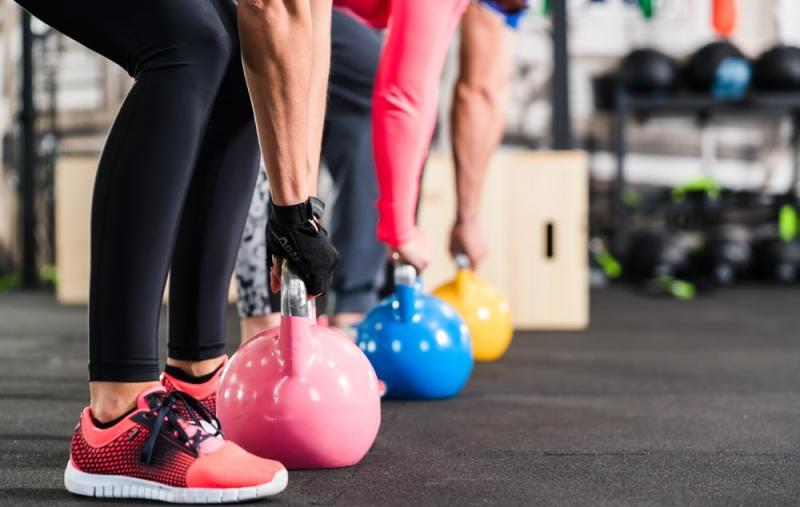 ejercicios con pesas rusas