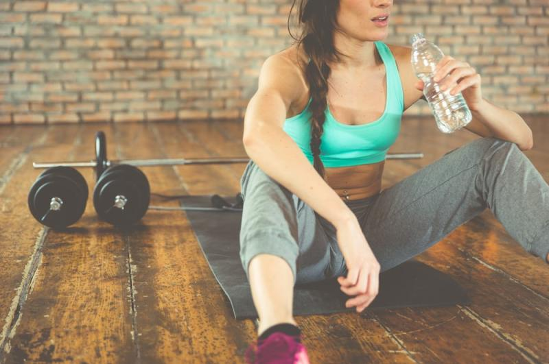 ¿Qué bebe durante y después del entrenamiento?