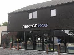 Deze afbeelding heeft een leeg alt-attribuut; de bestandsnaam is Macron-Store-Tienen.jpg