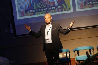 Adam Fields, Masters in Moderation, moderator dogodka