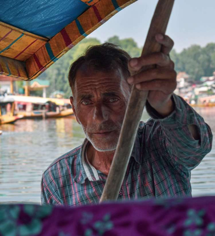 Srinagar Travel Partner / Shikara Boat rider