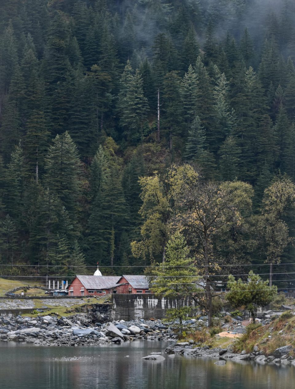 Barot valley on a local bus