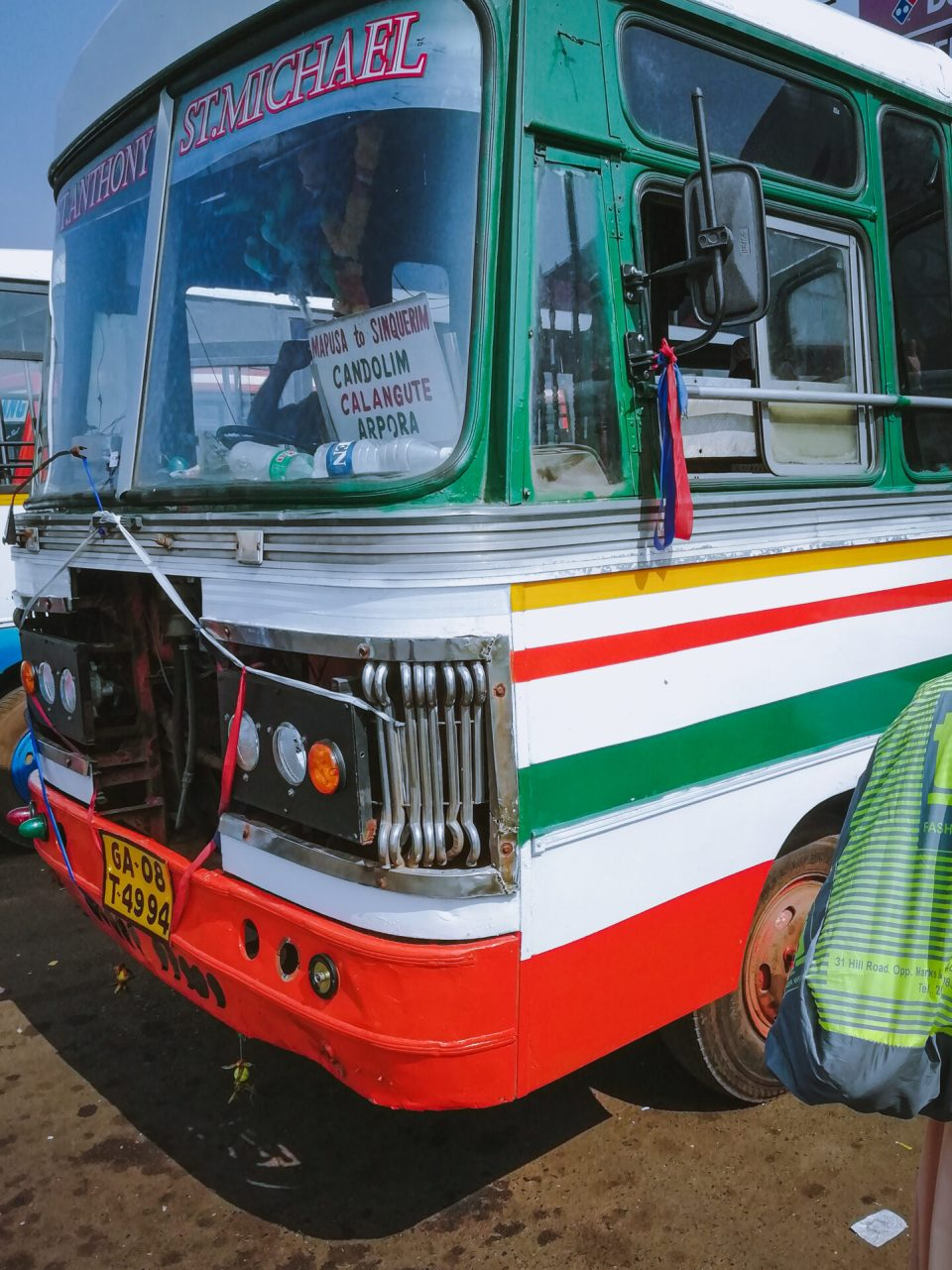 Commute using Goa Local Buses to restrain your Goa Expenses