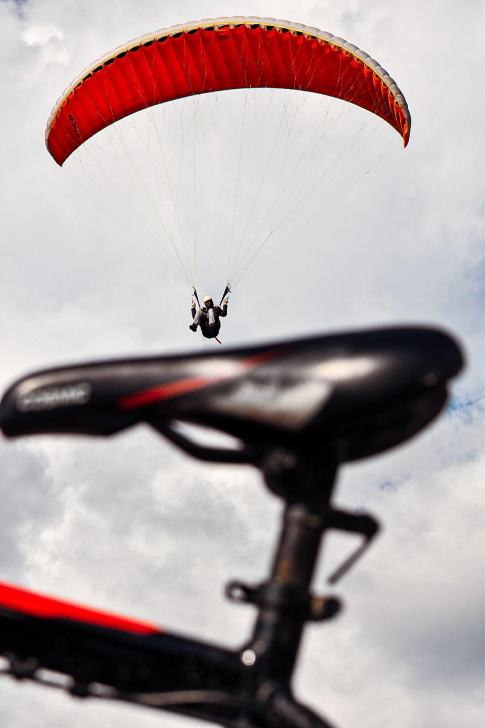 Paraglider landing on the Cycle Seat