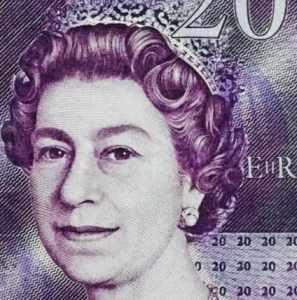 Queen Elizabeth Money-20-pounds