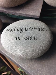 stone.jpg (240×320)