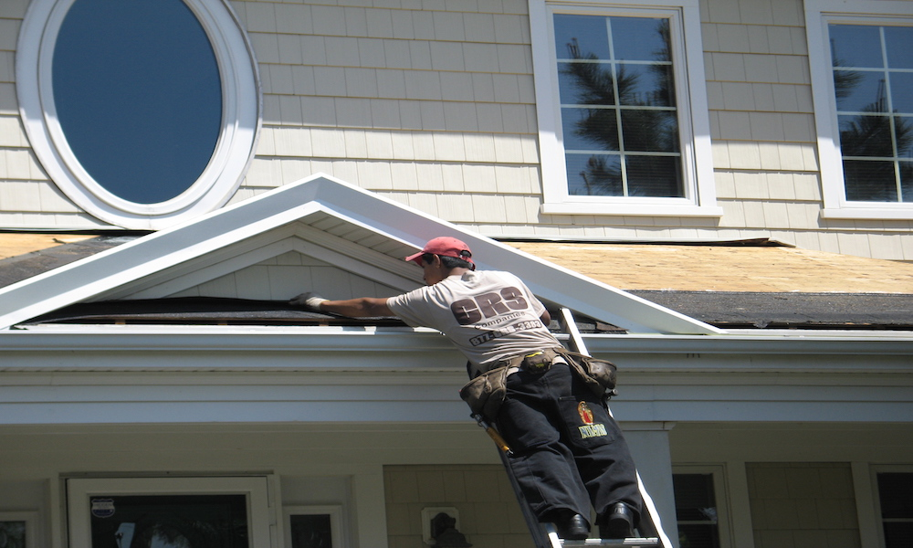 Replace Wood Soffit With Vinyl: 5 Questions You Need to Ask