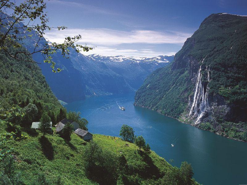 Fjord cruise Geirangerfjord