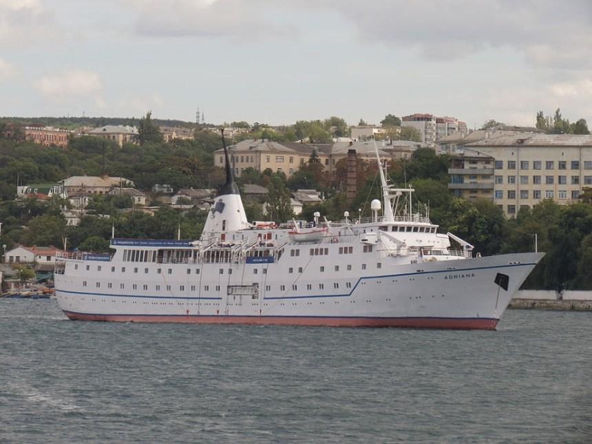 Adriana-wikipedia Kreuzfahrtschiff ADRIANA auf dem Weg zur Schrottpresse