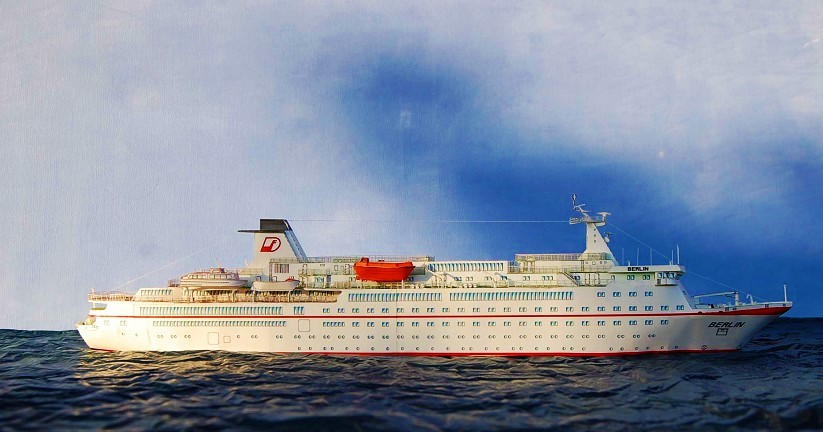 q?_encoding=UTF8&ASIN=3800415038&Format=_SL250_&ID=AsinImage&MarketPlace=DE&ServiceVersion=20070822&WS=1&tag=cruisedeck-21&language=de_DE 40 Jahre Kreuzfahrtschiff MS BERLIN