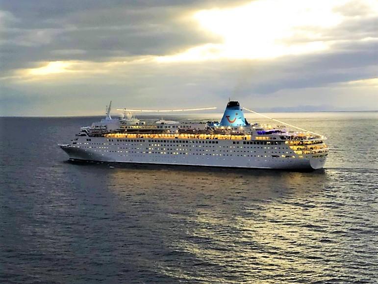 Marella-Dream-Santa-Cruz-de-Tenerife-2018-12-14-. Das Ende für Meyer's ersten Cruise Liner?
