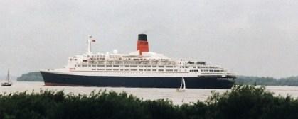 Queen-Elizabeth-II-001 MS QUEEN ELIZABETH 2