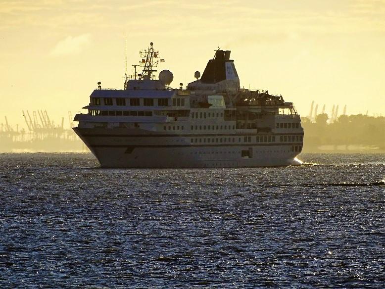 RCGS-RESOLUTE-003 One Ocean Expeditions schliddern in die Insolvenz