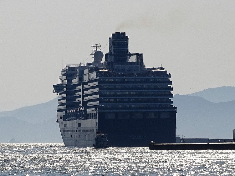 Westerdam-011 Corona-Virus wirbelt Kreuzfahrten in Fernost durcheinander