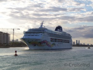 Norwegian Sky departing Miami ©CruiseInd