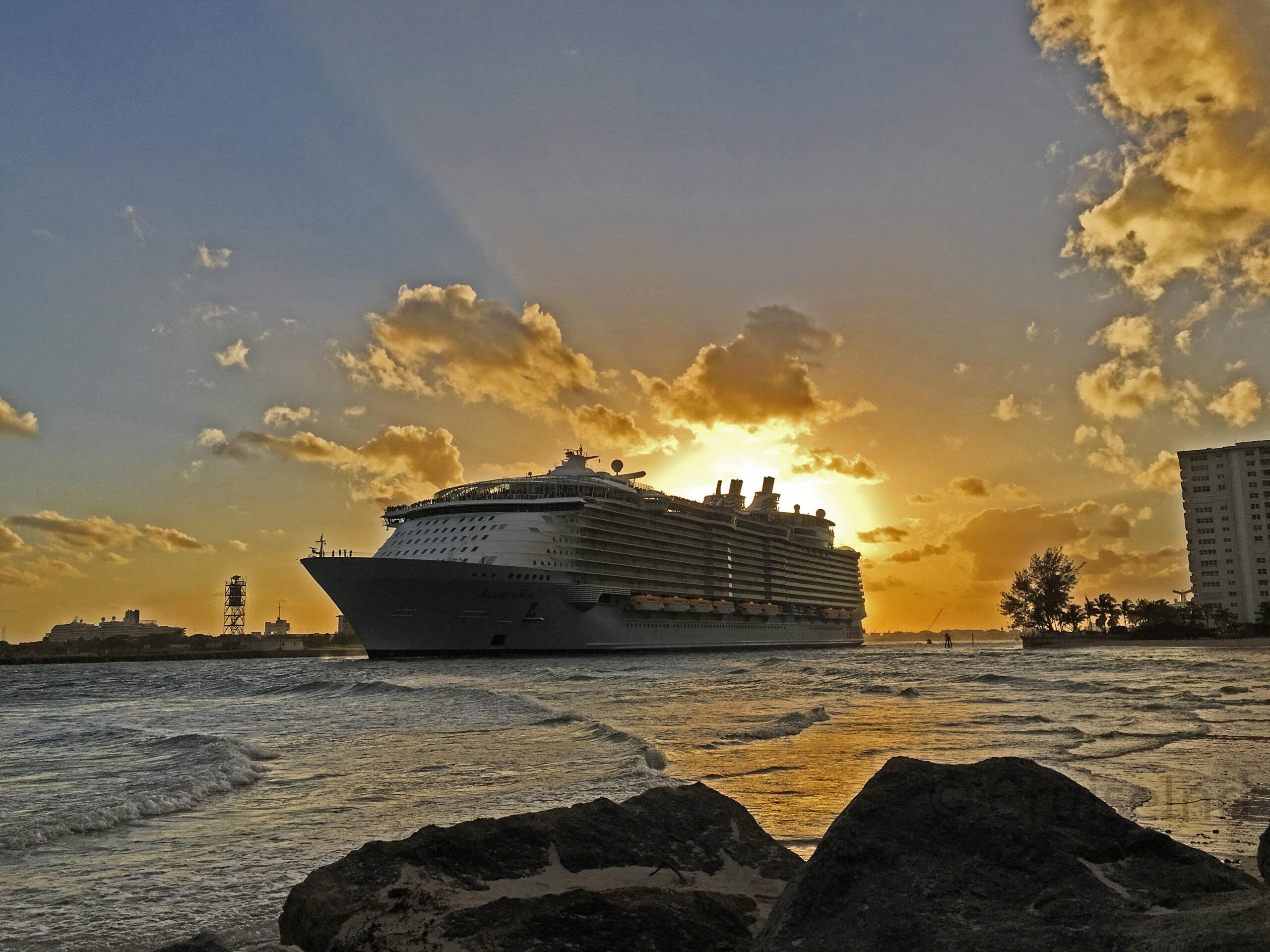 allure of the seas deck plan pdf