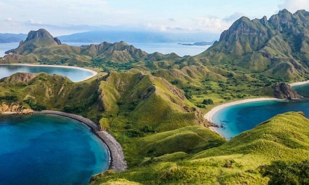 pulau komodo island indonesia