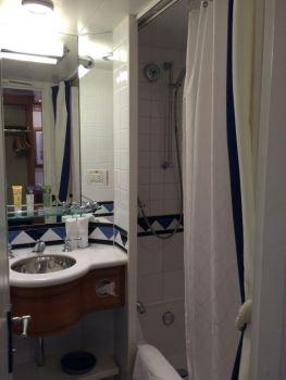 Badkamer 1 - met bad