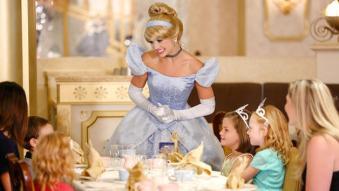 royal-court-tea-party-00
