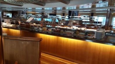Midnatsol Restaurant Buffetgedeelte