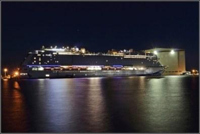 17-Norwegian-bliss-in-papenburg---18---nightshot-of-this-cruiseliner