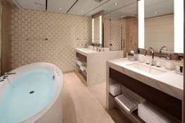 Pinnacle Suite - Bathroom