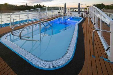 ship_31_pool_gallery