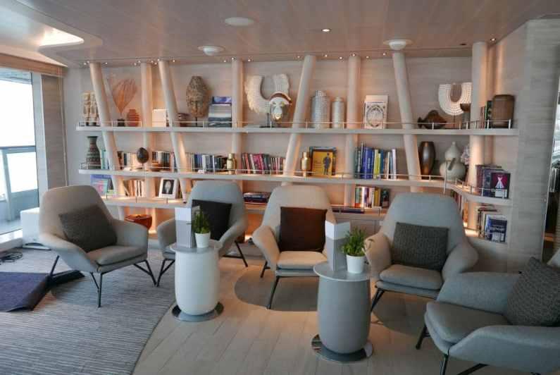 Panoramic Lounge - bibliotheek