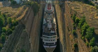 Braemar breekt record als grootste schip ooit door Kanaal van Korinthe