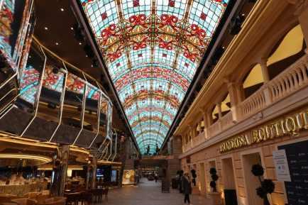 MSC Grandiosa Galleria Grandiosa 028