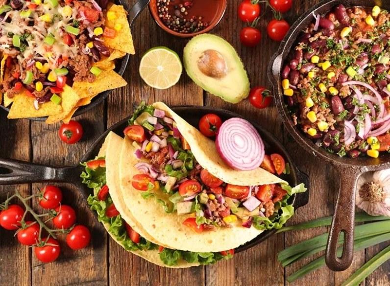 hola-tacos-cantina