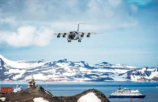 fly-to-antarctica-with-antarctica21