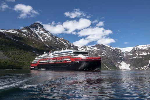 MS Fridtjof Nansen Isfjord-Norway Photo_Andrea_Klaussner