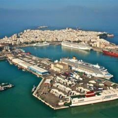 Comienza el estudio de viabilidad para convertir Cádiz en puerto base de cruceros