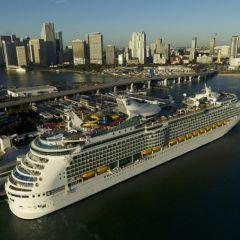 El Navigator of the Seas vuelve a navegar tras una completa revitalización