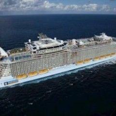 """El """"Allure of the Seas"""" de Royal Caribbean podrá finalmente entrar en el astillero Navantia de Cádiz para realizar la reforma parcial programada."""