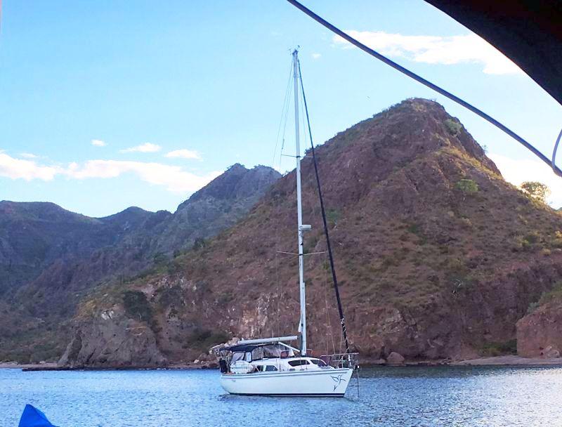 Volare from sv Borboleta in Agua Verde