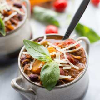 Slow Cooker Creamy Avocado Vegetarian Chili