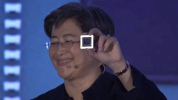 La PDG d'AMD, Lisa Su, avec un cœur de processeur graphique RX 5000