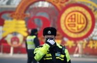 Le nombre de décès dus au virus en Chine dépasse le SRAS, mais de nouveaux cas tombent
