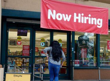 Les inscriptions au chômage aux États-Unis atteignent un sommet en un mois de 351 000 en forte augmentation en Californie