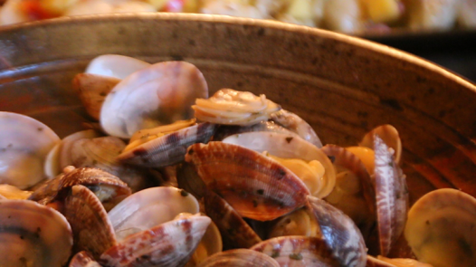 Steamed Clams with Butter and Herbs