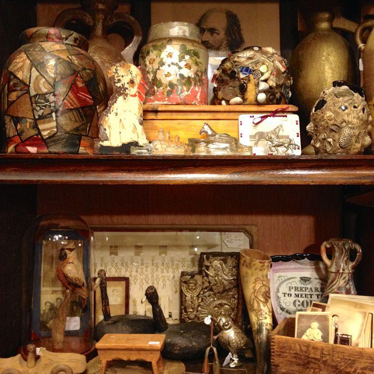 Volkart Busy Shelf
