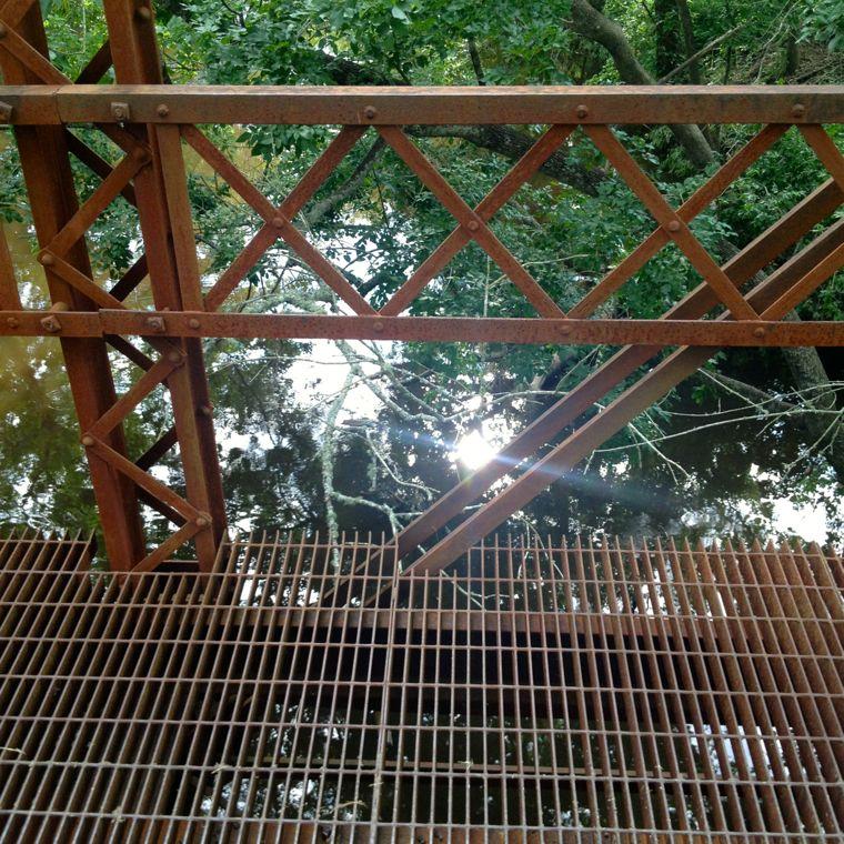 Willow Bridge Medium