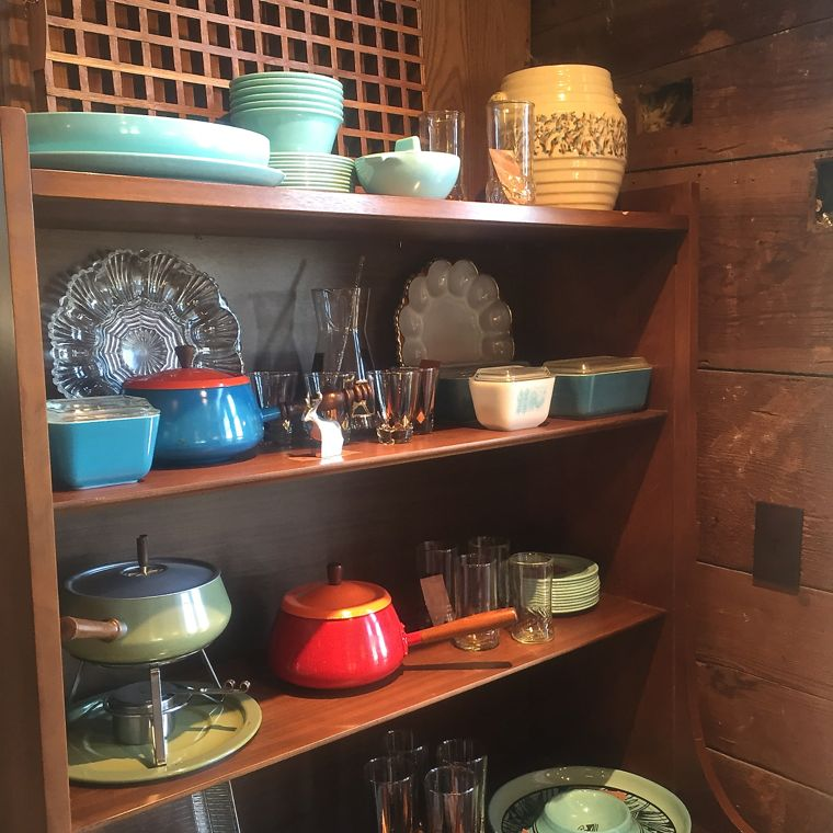 Townsend Fondue Shelves