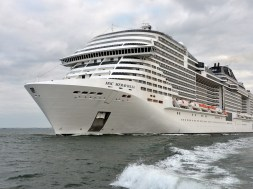 MSC-Meraviglia–undergoing-sea-trials STX France_resized2