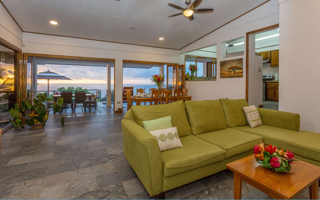 Casa Grande Vista living room