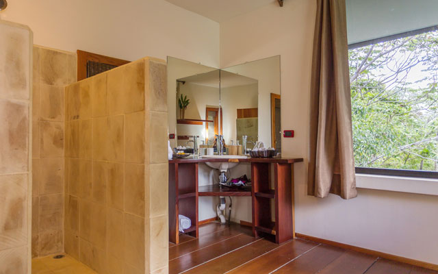 Casa Luz bathroom
