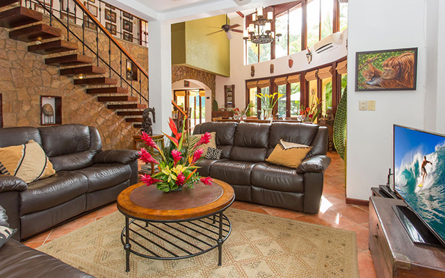 Discovery Beach House living room