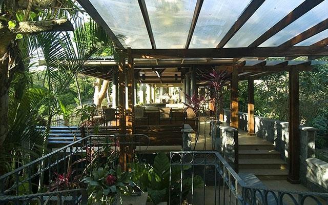 Manuel Antonio First Class Villas: Casa Carolina outdoor living
